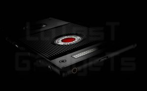 Smartphone with built-in 3D Holographic Display: RED's Hydrogen One